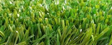 Изображение фибриллированного синтетического покрытия в зеленом цвете с высотой ворса 40 мм