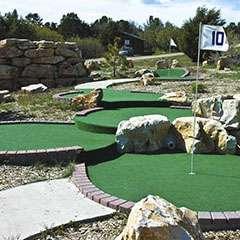 Изображение поля для гольфа с использованием травяного покрытия зелёного цвета